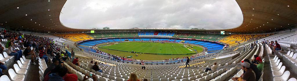 Maracana-stadionet står klart til fotball-VM i 2014. Mange andre anlegg og infrastrukturprosjekter er ikke ferdig eller påbegynt ennå. Foto: Wikimedia Commons.