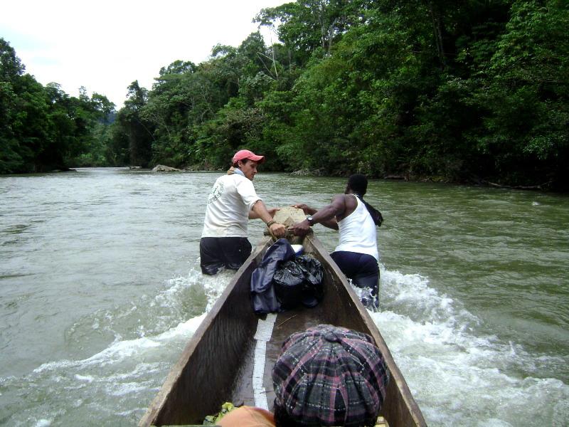 Elva Río Atrato, Colombia.