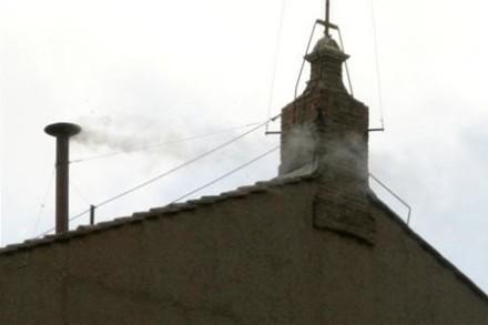 hvit røyk fra Det sikstinske kapell, Vatikanet